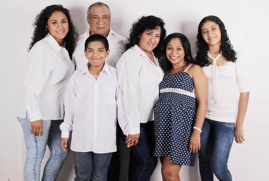 photo de famille avec grand-parents